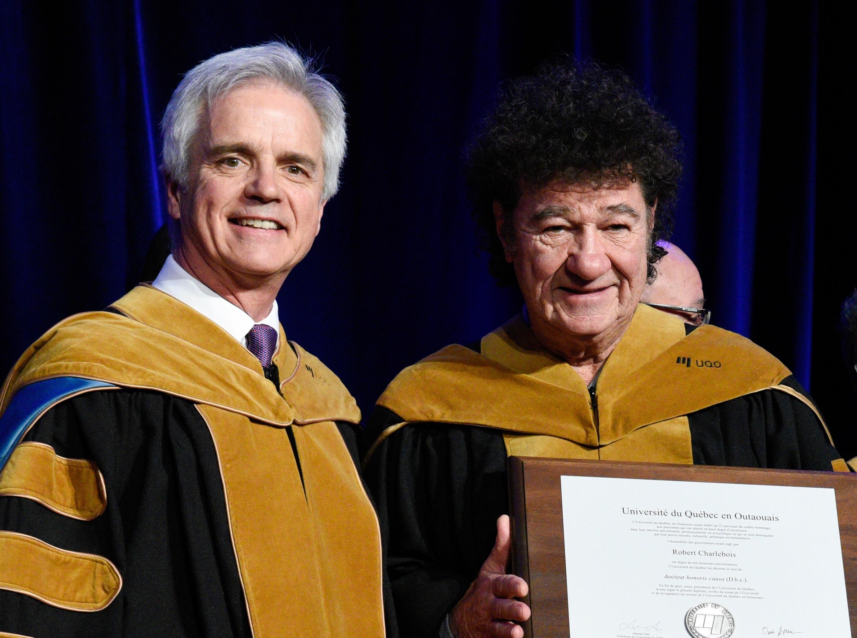 Des Doctorats Honorifiques Au Chanteur Robert Charlebois Et Dr Jean