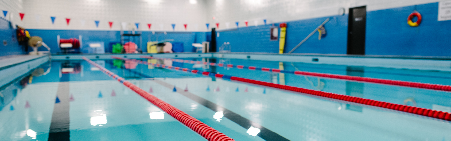 Acc s la piscine uqo universit du qu bec en outaouais for Piscine cours de natation